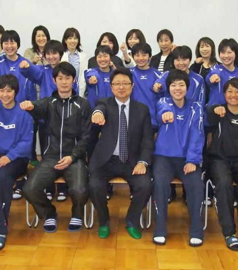 名古屋商業高等学校 バレーボール部(12名)ホッケー部(1名)